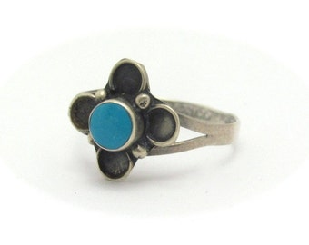 Vintage Turquoise Ring, Size 6, Sterling Silver Ring, TAXCO MEXICO, 925 Sterling, Dainty Flower Design