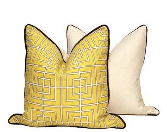"""18"""" Indoor/Outdoor Yellow Geo Pillows"""