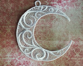 Freestanding Lace Cresent Moon