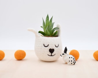 Succulent planter / spring bunny / White Rabbit planter / Felt planter /  indoor planter / Small succulent pot / Easter gift / mother gift