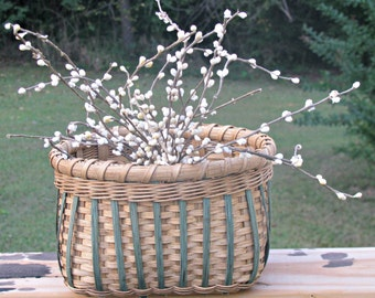 Reed Basket for Large Candy Dish, Decorative Basket for Dried Flowers or for Bathroom Storage, Hand Woven Basket for Table Centerpiece