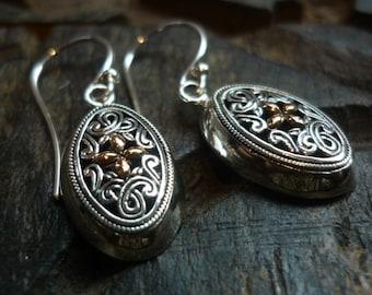 Filigree Silver Oval Earrings, Oval Sterling Silver Earrings, Openwork Silver Earrings, Silver Gold Earrings, Two Toned Earrings EK501