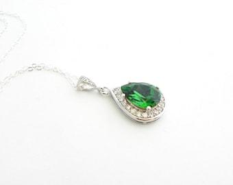 Green Bridesmaid Jewelry, Set of 4, Swarovski Pendant Necklace, Cubic Zirconia, Pear Drop Necklace, Bridesmaid Necklace, Luxury Gift Set.
