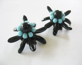 Glass Edelweiss Flower Earrings, West Germany, Clip On, 1950s, Black and Turquoise, Brass, Glass Beads