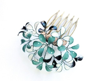 Hair comb with delicate paint flowers