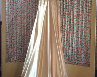 Formal Ivory satin dress vintage 1940s extra small