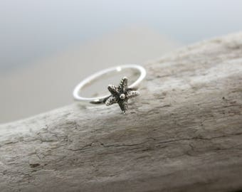 Sterling silver starfish finger ring - simple beach jewelry  - Sizes 5 - 10 Gift for her - Beach Lover - sea life ring - tiny sea star charm