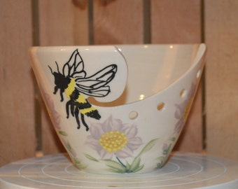 Bumble Bee and Flower Porcelain Yarn Bowl