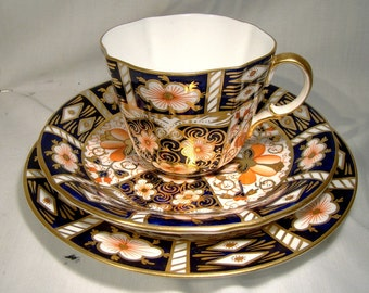 Royal Crown Derby 2451 OLD IMARI Trio Tea Cup Bread Butter Plate & Saucer