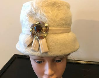 Vintage Lady Byrd White Wool Hat with Faux Gemstones Studded Brooch Derby Hat Church Shabby Chic Hat