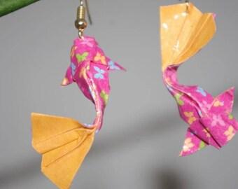 """""""Carp"""" (CAR_001) Gold hook earrings"""