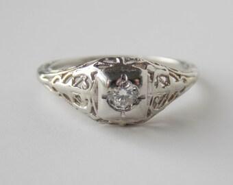 Vintage filigree 10K white gold diamond ring