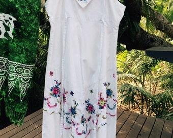 Vintage 70's embroidered dress