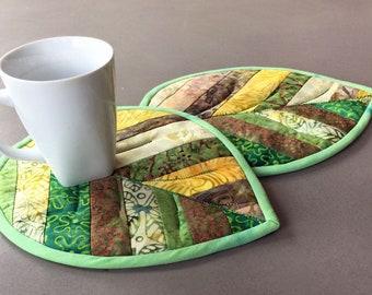 Pattern - Quilted Leaf Mug Rug Potholder Trivet Pattern/Tutorial Easy String Piecing