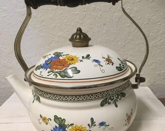Vintage enamel teapot •
