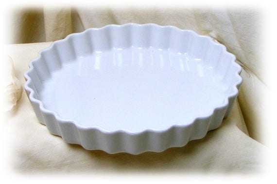 Adorable Pie Dish (with scalloped sides)