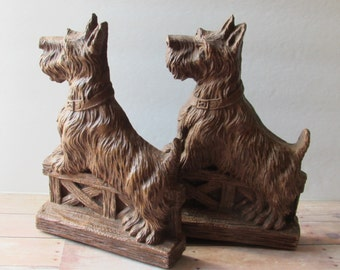 Simply Darling Scottie Bookends - OrnaWood