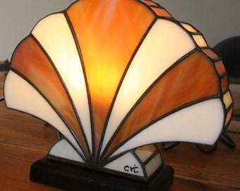 """Tiffany lamp, Art Deco stained glass Tiffany lamp, table """"Amber shell"""" lamp"""