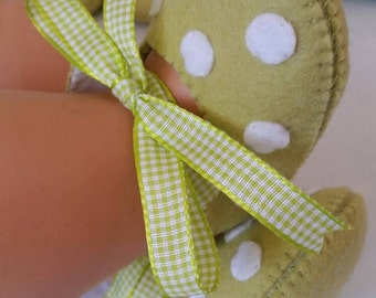 Lime green with white spots woolfelt baby shoes