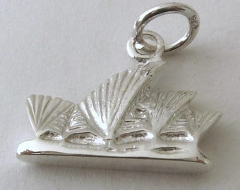Genuine SOLID 925 STERLING SILVER Australian Sydney Opera House charm/pendant