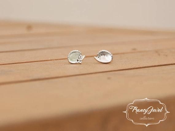 Silver hedgehog, handmade hedgehog, earring stud, fine silver earrings, hedgehogs earrings, minimal earrings, animal earrings, made in Italy