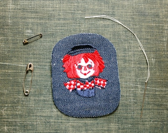 Raggedy Andy patch . 1970s vintage patch . embroidered denim iron on patch, anthropomorphic animal patch