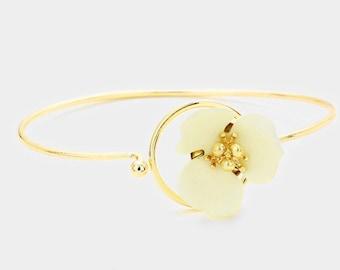 Flower Hook Bracelet Gold/Ivory