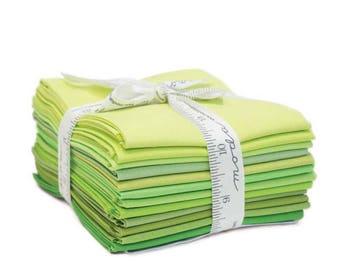 Fat Quarter 12-Piece Bundle Plus Color of Moda Pattern, Bella Solids in Green, Precut Fat Quarters from Moda
