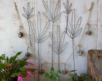 Wire Sculpture, Wall Hanging, Floral Arrangement, Fern Leaf  Bouquet