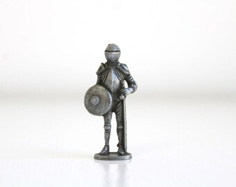 Miniature Knight, Miniature Knight Figurine, Miniature Suit of Armor, Dollhouse Statue, Tiny Knight, Knight Figurine, Suit of Armor Figurine