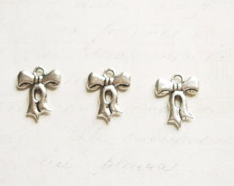 3 small charms 16x13mm Silver Bow