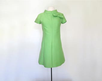 FRESH CUT // mod 1960s bright green mini dress with mock neck