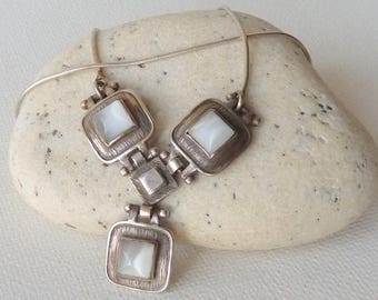 Vintage Sterling Silver Necklace with Cats Eye Charms,  Silver and Grey Bib Necklace, Retro Necklace, 925 60's Jewelry, Cats Eye jewelry