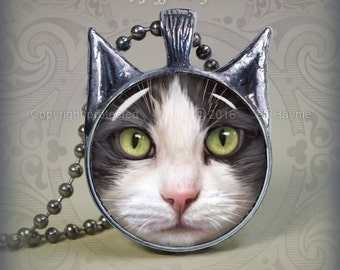 GW10 Grey Tuxedo Cat pendant