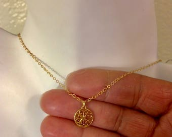 Danity pendent necklace