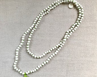 long necklace 'WHITE RIVER'