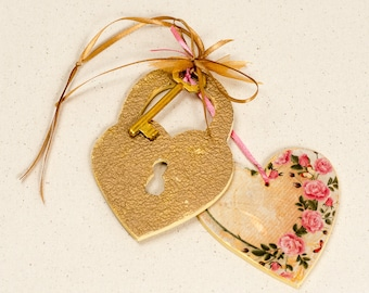 Wooden heart ornament, Hanging ornament,Wall hanging art, Valentine's Day gift, Personalized gift,Personalized with name, Gift for her