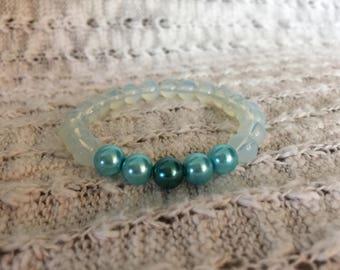 Teal, aqua & clear glass bracelet