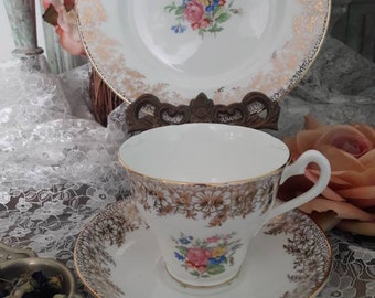 Very pretty balfour bone china tea trio gold gilt and cental floral bouquets