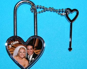 Heart shaped padlock photo and text