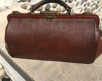 Vintage French Chestnut Gladstone Style Textured Leather Handbag 1920-1930