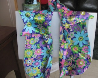 flower power  seventies gogo girl over shoulder small odd piece
