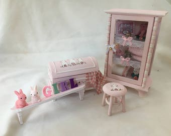 Dolls House Miniatures - Nursery Furniture - Bunnies