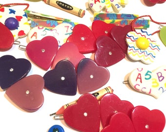 60 funky Barrettes | vintage plastic barrettes | flowers | crayons | hearts | barrettes | ABC's | FREE SHIPPING