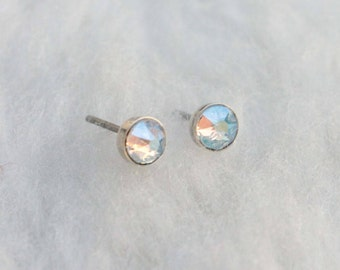 Swarovski Shimmer Crystal (4mm / 5mm) Bezel Set on Niobium /Titanium Posts (Hypoallergenic and Nickel Free Stud Earrings for Sensitive Ears)