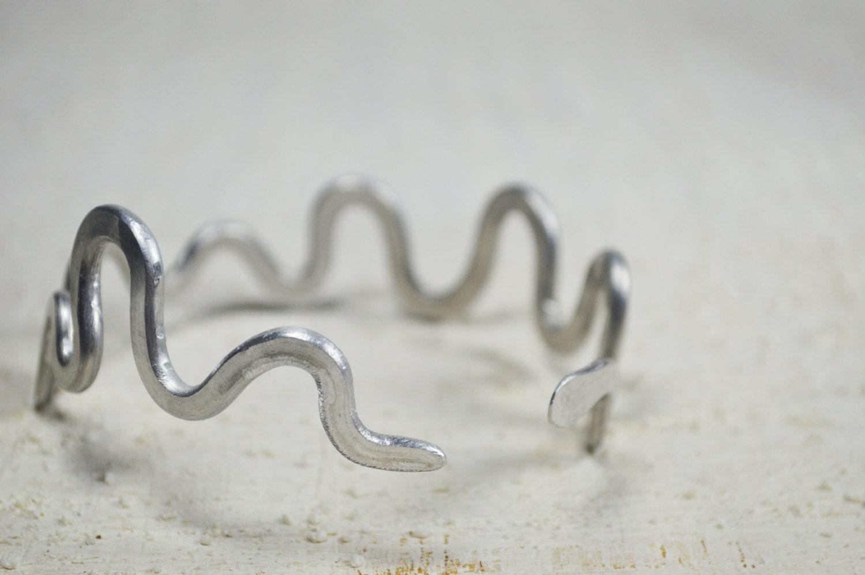 Schlange öffnen Armband Aluminium Schlange asymmetrische