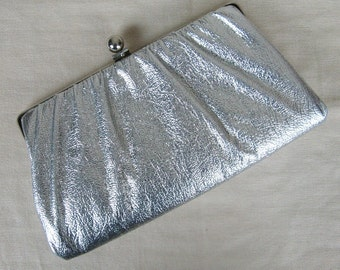 Vintage 1950s Shiny Silver Evening Clutch 50s Metallic Silver Vinyl Clutch