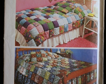 Simplicity 5950 Puff Quilt Coverlet and Pillow Vintage Sewing Pattern