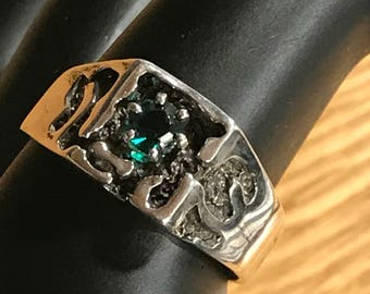 Sterling Silver Square Shaped Ring with Lab Grown Emerald Stone Size 9.5