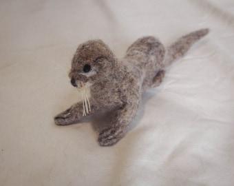 River Otter - felt animal / needle felted / felting / handmade animal / felted art / stuffed animal / fiber art / wool / byrae / rae swon
